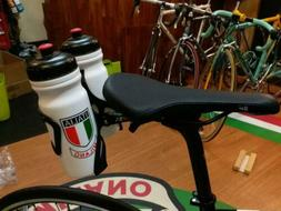 Stand Water Bottle Cage Holder of Saddle with 2 Bottles and